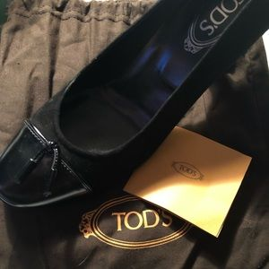 Tod's Black Suede / Patent Toe Heels Size 40.5